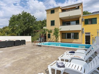 Amazing home in Solin w/ WiFi, 1 Bedrooms and Jacuzzi (CDF735)