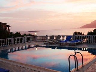 Villa mola 4: Zimmer in Villa mit Gartenzugang und Pool