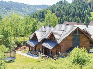 Awesome home in Oscadnica w/ Sauna, WiFi and 3 Bedrooms (TST738)