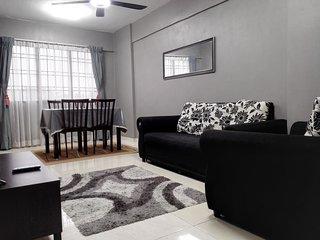 Puteri Homestay Putrajaya (PHP) - (Economy, 3 Bedrooms, Aircond)