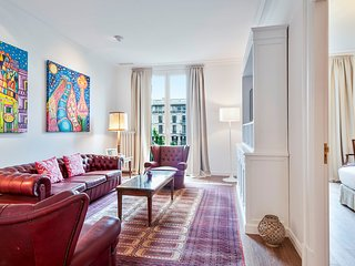 Gaudi Luxury 4 bedroom apartment B429