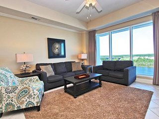 Wharf 812- Low Rates! Spend Your Vacation in Orange Beach!