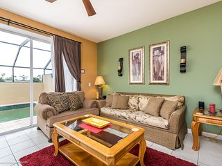 Lovely 3BR 3Bth Windsor Hills Townhouse with Private Splash Pool