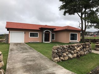 Beautiful Getaway House - Great Mountain View in Gated Communitty