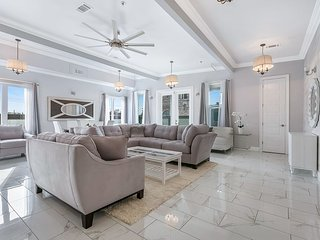 Brand New 5BD Luxury Penthouse in NOLA