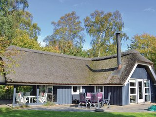 Beautiful home in Gilleleje w/ WiFi and 3 Bedrooms (E04686)