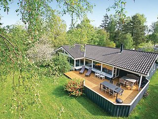 Beautiful home in Gilleleje w/ Sauna, WiFi and 4 Bedrooms