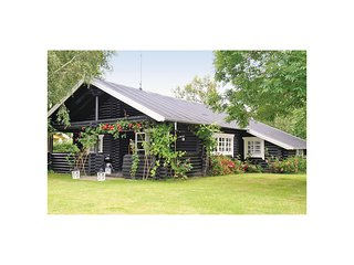Awesome home in Gilleleje w/ WiFi and 4 Bedrooms