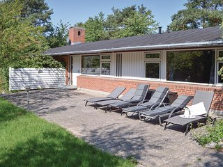 Nice home in Gilleleje w/ WiFi and 5 Bedrooms
