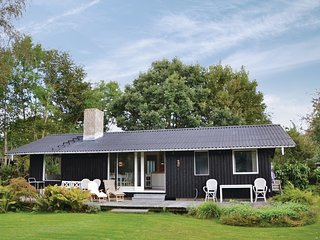 Beautiful home in Gilleleje w/ WiFi and 3 Bedrooms (E04621)