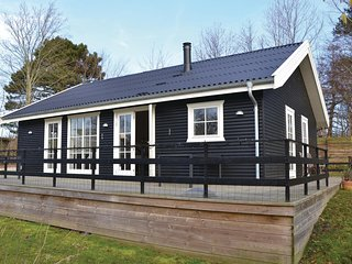 Beautiful home in Gilleleje w/ WiFi and 3 Bedrooms (E04339)