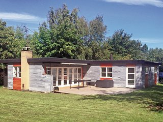 Nice home in Gilleleje w/ WiFi and 3 Bedrooms (E05345)