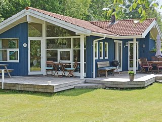 Awesome home in Gilleleje w/ Sauna, WiFi and 4 Bedrooms