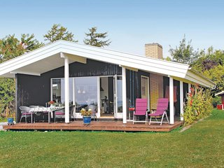 Beautiful home in Kirke Hyllinge w/ Sauna, WiFi and 3 Bedrooms