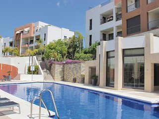 Amazing home in Los Monteros w/ Jacuzzi, WiFi and 2 Bedrooms