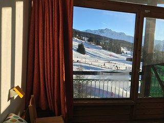 Arcs 1800 Lauzières 3* + parking on slopes view south
