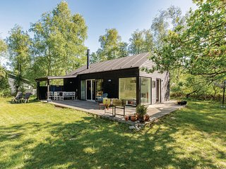 Amazing home in Højby w/ WiFi and 3 Bedrooms