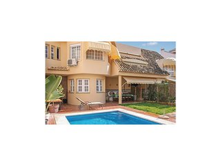 Amazing home in Fuengirola w/ WiFi and 6 Bedrooms