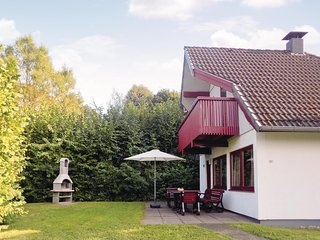 Amazing home in Kirchheim w/ 3 Bedrooms