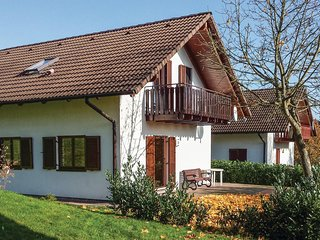 Awesome home in Kirchheim w/ 5 Bedrooms