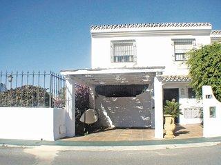 Nice home in San Pedro de Alcántara w/ 4 Bedrooms