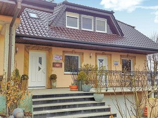 Awesome home in Espenau OT Mönchehof w/ WiFi and 3 Bedrooms (DHE258)