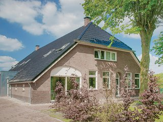 Nice home in Ellertshaar w/ WiFi and 6 Bedrooms