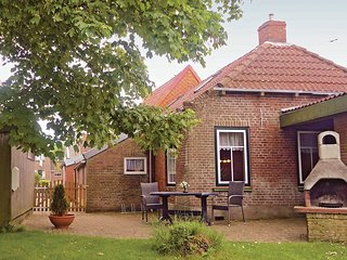 Nice home in Moddergat w/ Sauna, WiFi and 3 Bedrooms (HFR021)