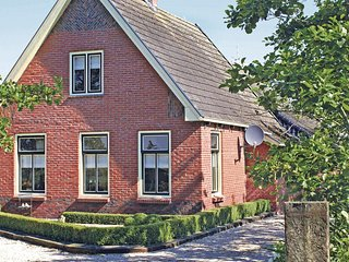 Awesome home in Kollumerzwaag w/ WiFi and 3 Bedrooms