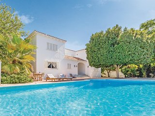 Awesome home in Mijas Costa w/ WiFi and 7 Bedrooms