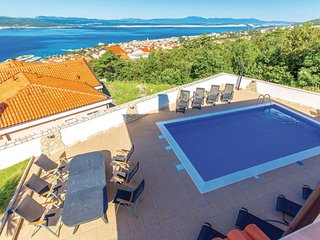 Nice home in Crikvenica w/ WiFi and 7 Bedrooms (CKC884)