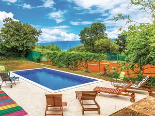 Amazing home in Kostrena w/ WiFi and 4 Bedrooms