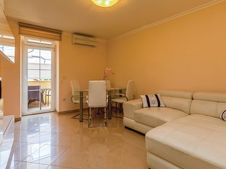 Nice home in Crikvenica w/ WiFi and 3 Bedrooms