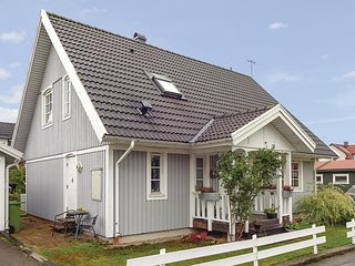 Awesome home in Ronneby w/ WiFi and 3 Bedrooms