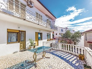 Nice home in Selce with WiFi and 2 Bedrooms (CKC926)