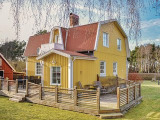 Amazing home in Sölvesborg w/ Sauna and 4 Bedrooms