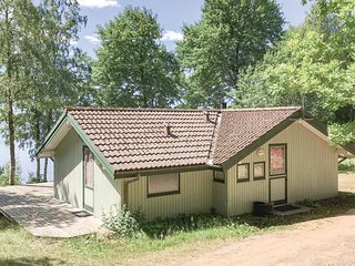 Nice home in Lidhult w/ Sauna and 3 Bedrooms