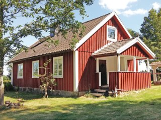 Stunning home in Lidhult w/ 2 Bedrooms