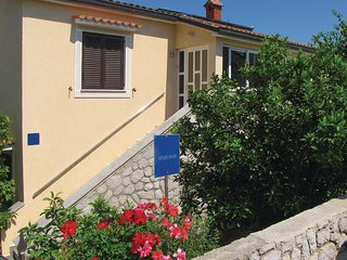 Stunning home in Mali Losinj w/ WiFi and 3 Bedrooms