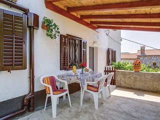 Awesome home in Filozici w/ 2 Bedrooms and WiFi (CKL236)