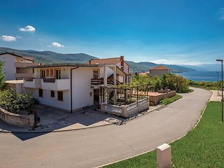 Stunning home in Povile w/ WiFi and 3 Bedrooms