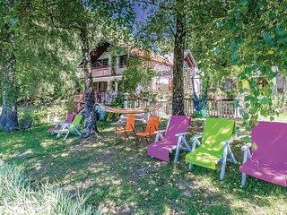 Nice home in Ledenice w/ 4 Bedrooms (CKN426)