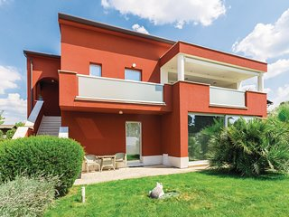 Stunning home in Novigrad w/ WiFi and 2 Bedrooms