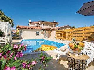 Nice home in Kastel with 4 Bedrooms (CIU470)
