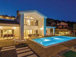 Nice home in Veprinac w/ Sauna, WiFi and 4 Bedrooms
