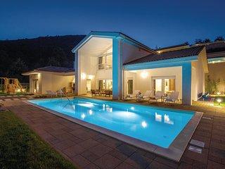 Nice home in Veprinac w/ Sauna, WiFi and 4 Bedrooms (CKO054)