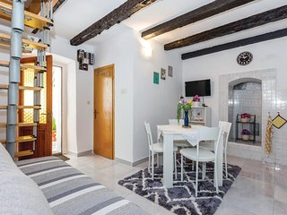 Stunning home in Povile w/ WiFi and 2 Bedrooms