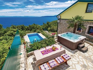 Amazing home in Medveja w/ Jacuzzi, WiFi and 4 Bedrooms