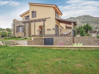 Awesome home in Altavilla Milicia -PA- w/ WiFi and 3 Bedrooms