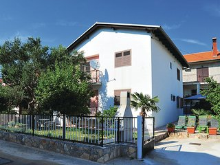 Beautiful home in Bibinje w/ Jacuzzi, WiFi and 4 Bedrooms